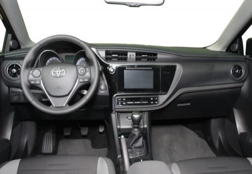 AURIS RC18 Hybride 136h Design 5P | TOYOTA